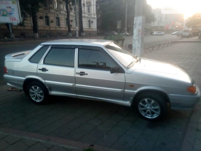 Серый ВАЗ 2115, объемом двигателя 1.6 л и пробегом 160 тыс. км за 3300 $, фото 1 на Automoto.ua