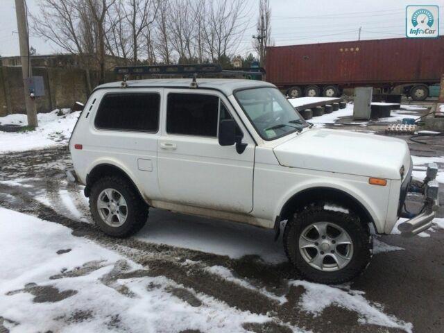 Білий ВАЗ 2121, об'ємом двигуна 1.6 л та пробігом 1000 тис. км за 2500 $, фото 1 на Automoto.ua