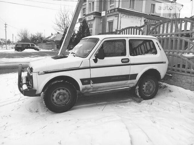 Белый ВАЗ 2121, объемом двигателя 1.6 л и пробегом 70 тыс. км за 1200 $, фото 1 на Automoto.ua