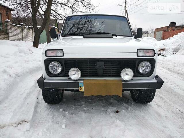 Белый ВАЗ 2121, объемом двигателя 1.7 л и пробегом 120 тыс. км за 4450 $, фото 1 на Automoto.ua