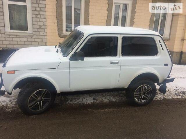 Белый ВАЗ 2121, объемом двигателя 1.7 л и пробегом 82 тыс. км за 5500 $, фото 1 на Automoto.ua