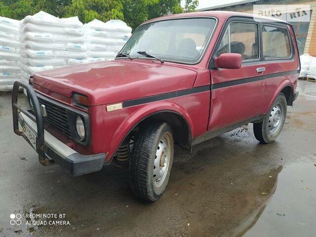 Красный ВАЗ 2121, объемом двигателя 1.6 л и пробегом 80 тыс. км за 1400 $, фото 1 на Automoto.ua