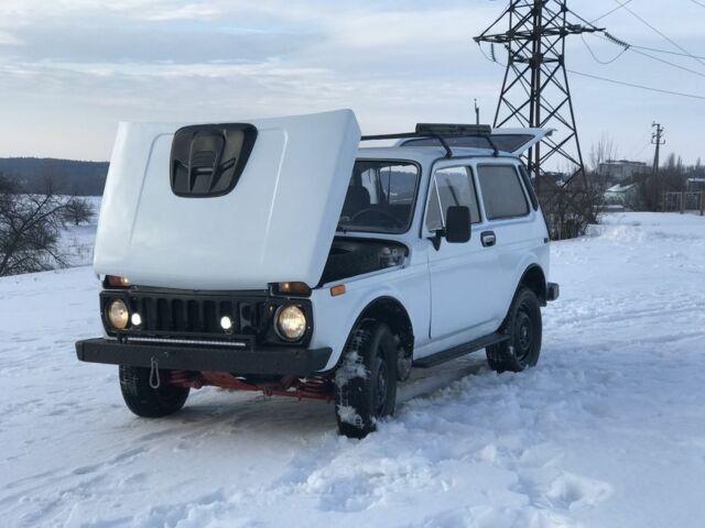 Белый ВАЗ 21214, объемом двигателя 1.6 л и пробегом 50 тыс. км за 2800 $, фото 1 на Automoto.ua