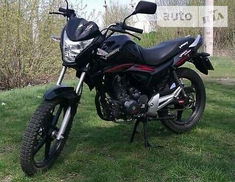 Черный Вайпер ЗС, объемом двигателя 2 л и пробегом 1 тыс. км за 881 $, фото 1 на Automoto.ua