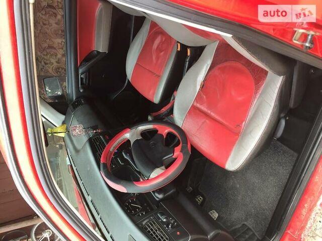 Красный Фольксваген Гольф, объемом двигателя 1.6 л и пробегом 300 тыс. км за 2800 $, фото 1 на Automoto.ua
