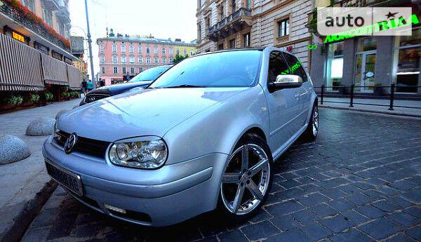 Серый Фольксваген Гольф, объемом двигателя 1.6 л и пробегом 250 тыс. км за 3500 $, фото 1 на Automoto.ua