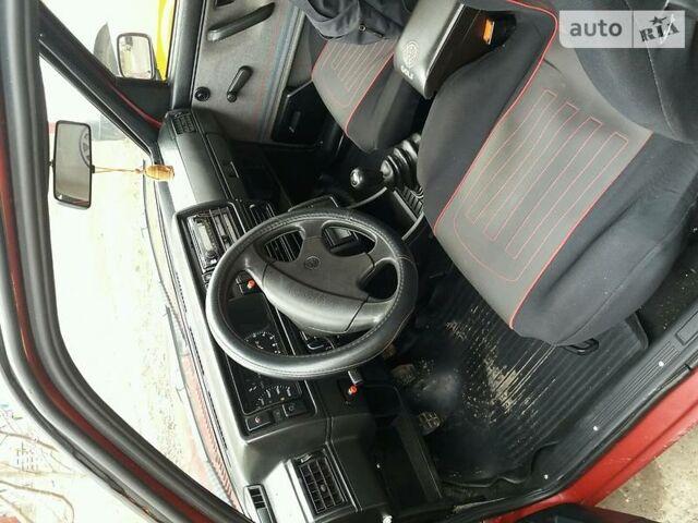 Вишнёвый Фольксваген Гольф, объемом двигателя 1.3 л и пробегом 25 тыс. км за 1900 $, фото 1 на Automoto.ua