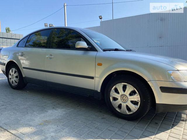 Серый Фольксваген Пассат Б5, объемом двигателя 1.8 л и пробегом 256 тыс. км за 4600 $, фото 1 на Automoto.ua