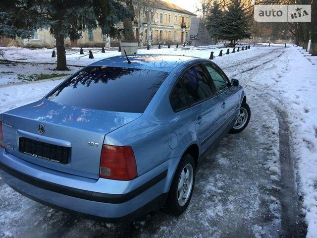 Синий Фольксваген Пассат Б5, объемом двигателя 1.8 л и пробегом 290 тыс. км за 5200 $, фото 1 на Automoto.ua