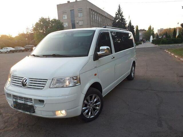 Белый Фольксваген Т5 (Транспортер) пасс., объемом двигателя 2.5 л и пробегом 250 тыс. км за 13500 $, фото 1 на Automoto.ua
