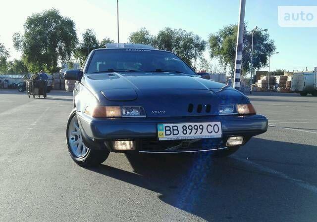 Синий Вольво 480, объемом двигателя 2 л и пробегом 170 тыс. км за 4000 $, фото 1 на Automoto.ua