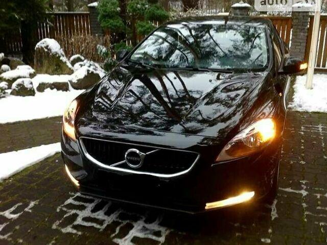 Чорний Вольво V40, об'ємом двигуна 2 л та пробігом 74 тис. км за 25000 $, фото 1 на Automoto.ua