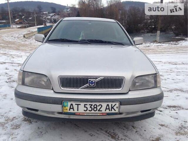 Сірий Вольво V40, об'ємом двигуна 1.9 л та пробігом 223 тис. км за 5500 $, фото 1 на Automoto.ua