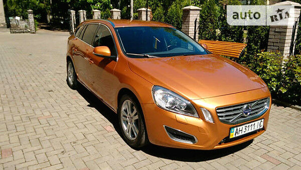 Апельсин Вольво B60, об'ємом двигуна 1.6 л та пробігом 125 тис. км за 18500 $, фото 1 на Automoto.ua