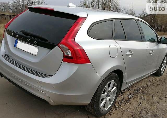 Срібний Вольво B60, об'ємом двигуна 1.6 л та пробігом 230 тис. км за 14500 $, фото 1 на Automoto.ua