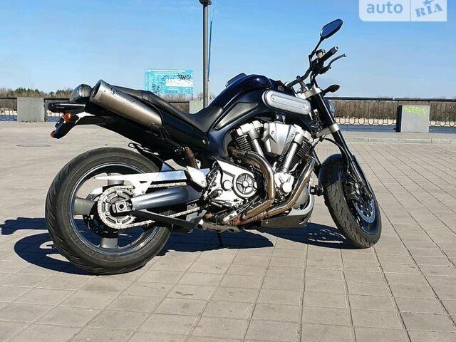 Черный Ямаха MT, объемом двигателя 1.7 л и пробегом 50 тыс. км за 7800 $, фото 1 на Automoto.ua