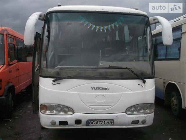 Белый Юи ЗГТ 6730, объемом двигателя 4.3 л и пробегом 70 тыс. км за 8000 $, фото 1 на Automoto.ua