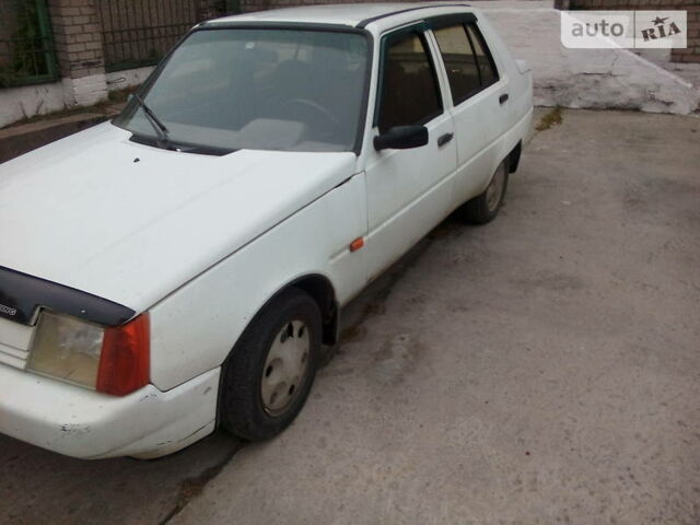 Білий ЗАЗ 1103 Славута, об'ємом двигуна 1.2 л та пробігом 110 тис. км за 1381 $, фото 1 на Automoto.ua