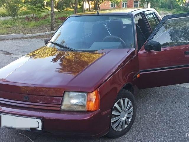 Красный ЗАЗ 1103 Славута, объемом двигателя 1.2 л и пробегом 120 тыс. км за 1600 $, фото 1 на Automoto.ua