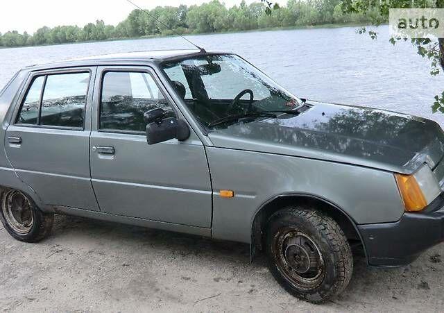 Серый ЗАЗ 1103 Славута, объемом двигателя 1.2 л и пробегом 160 тыс. км за 1600 $, фото 1 на Automoto.ua