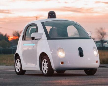 Автопилот Google научился сигналить