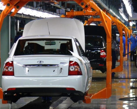 Почему АвтоВАЗ прекратил поставки новых автомобилей в Украину