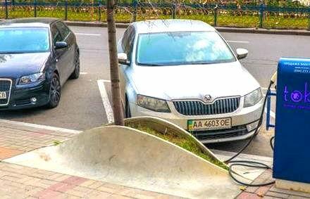 Сколько может проехать электромобиль в Украине и где его заряжать