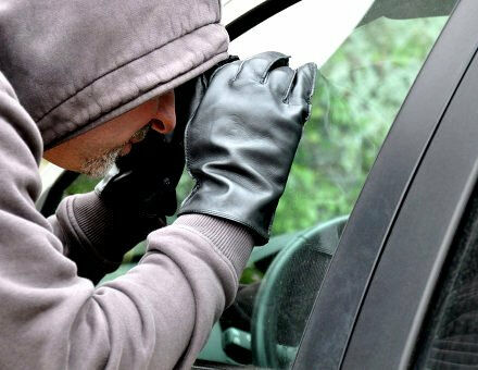 Викрадення автомобіля: все, що вам потрібно про це знати