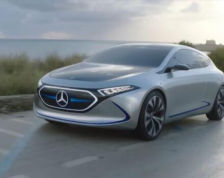 Видео: электромобиль Mercedes EQA проехался по общественным дорогам