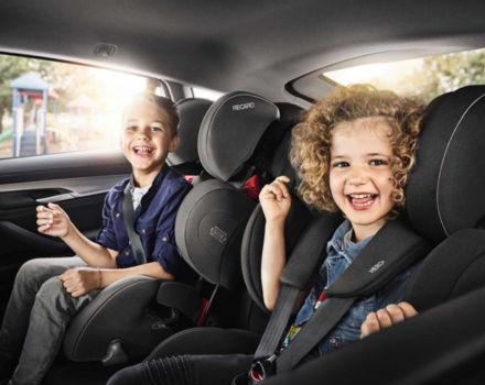 Перевозка детей в автокреслах в такси фото
