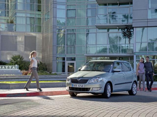 Новый автомобиль Шкода Фабия от 15413$ на AutoMoto.ua