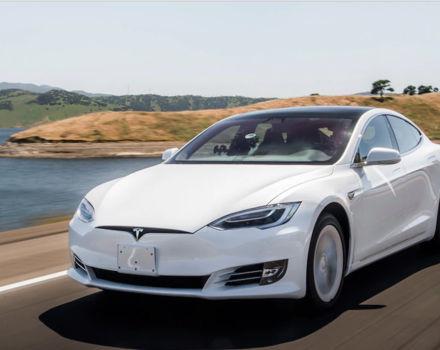 Tesla Model S 2019