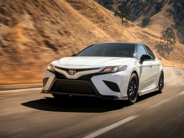 Як ми тестували Toyota Camry 2020