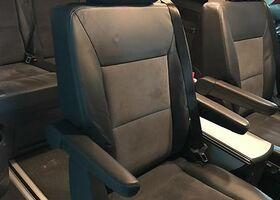 Чорний Фольксваген Мультиван, объемом двигателя 2 л и пробегом 78 тыс. км за 41000 $, фото 1