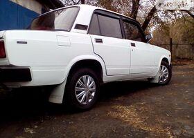 Білий ВАЗ 2105, объемом двигателя 1.5 л и пробегом 120 тыс. км за 1400 $, фото 1