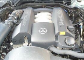 Mercedes-Benz E 280 null