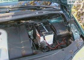 Зеленый Фольксваген Туран, объемом двигателя 1.6 л и пробегом 187 тыс. км за 9300 $, фото 1