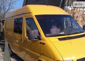Желтый Фольксваген ЛТ, объемом двигателя 2.5 л и пробегом 440 тыс. км за 9000 $, фото 1