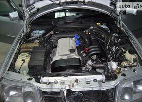 Срібний Мерседес В124, объемом двигателя 2.8 л и пробегом 290 тыс. км за 5200 $, фото 1