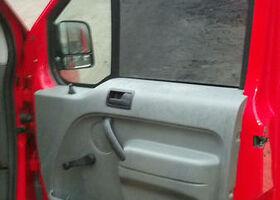 Красный Форд Турнео Коннект, объемом двигателя 1.8 л и пробегом 650 тыс. км за 6000 $, фото 12