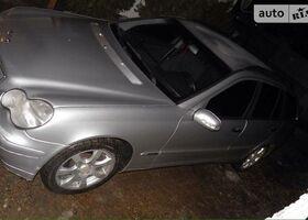Серый Мерседес Ц-Класс, объемом двигателя 2.7 л и пробегом 2 тыс. км за 3800 $, фото 1