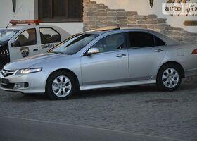 Срібний Хонда Аккорд, объемом двигателя 2 л и пробегом 127 тыс. км за 9555 $, фото 1