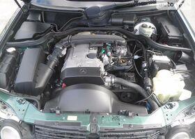 Зелений Мерседес Е-Клас, объемом двигателя 2 л и пробегом 1 тыс. км за 5800 $, фото 1