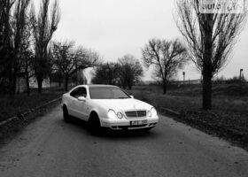 Белый Мерседес ЦЛК-Класс, объемом двигателя 2 л и пробегом 1 тыс. км за 3600 $, фото 1