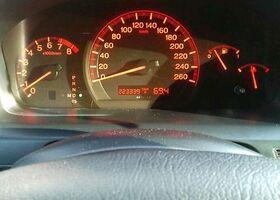 Срібний Хонда Аккорд, объемом двигателя 2 л и пробегом 225 тыс. км за 8023 $, фото 1