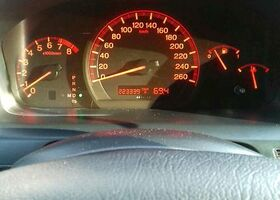 Срібний Хонда Аккорд, объемом двигателя 2 л и пробегом 225 тыс. км за 8202 $, фото 1