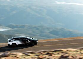 Электрокроссовер Faraday Future побил рекорд Tesla в гонке Пайкс Пик