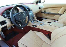 Aston Martin DB9 2016