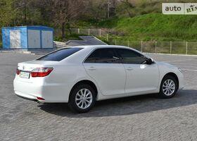 Белый Тойота Камри, объемом двигателя 2.5 л и пробегом 12 тыс. км за 26000 $, фото 1