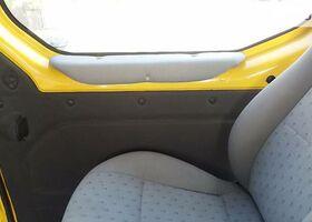 Жовтий Опель Віваро пас., объемом двигателя 1.9 л и пробегом 130 тыс. км за 7500 $, фото 1